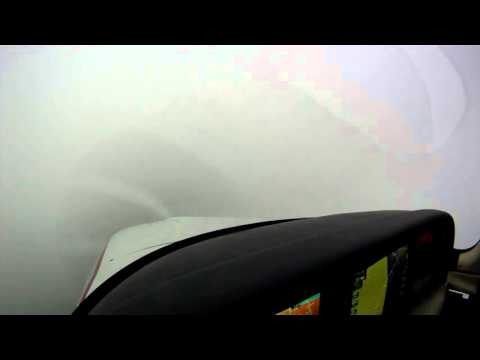 ILS Approach Down to Minimums Cirrus SR22 with Low Visibility
