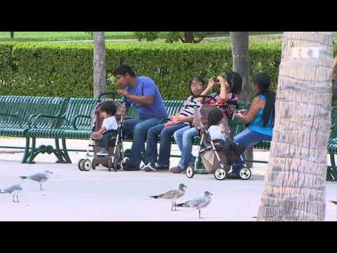 Miami, Florida USA   20% In Poverty, Starving, Homeless   Shocking Scenes