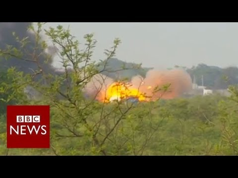 BBC reporter caught in intense South Sudan battle - BBC News
