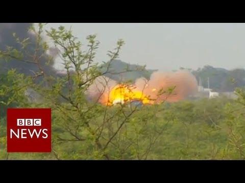 BBC reporter caught in intense South Sudan battle - BBC News