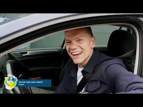 Pieter van der Zweep wil alleen maar zingen, zelfs voor Rob - Eem Poetsen (6)