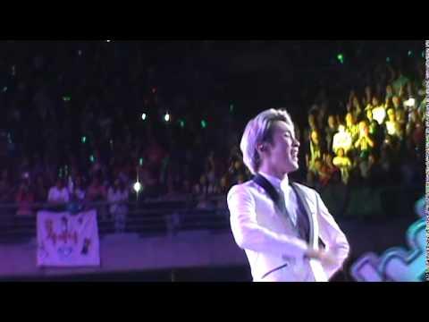 SHINEE WORLD III in Chile - HELLO