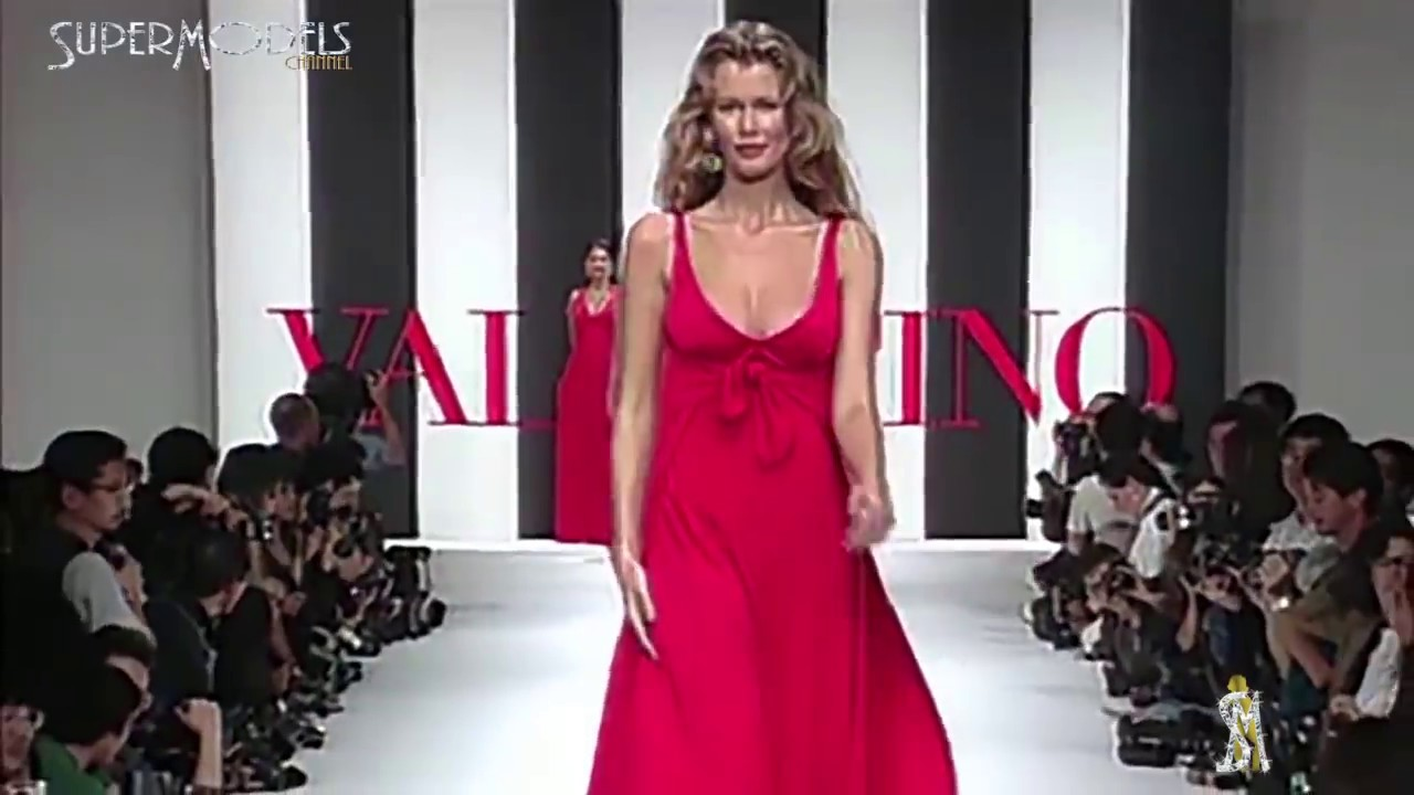 8a88f61549a36a Claudia Schiffer Best Moments on Catwalk 1990 - 2000 part 1 by Supermodels  Channel