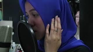 فتاة محجبة تغني اغنية بانقتان Fake love بصوت خرااافي