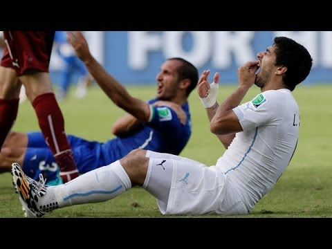 Luis Suarez Bites Giorgio Chiellini! Uruguay Beats Italy 1-0! How Should He Be Punished?!