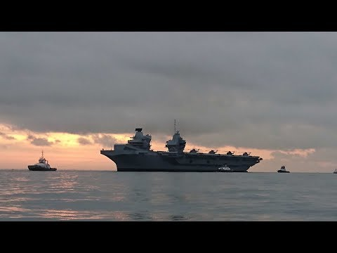 HMS Queen Elizabeth enters Portsmouth for the first time