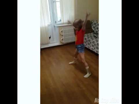 В голове одни танцы))