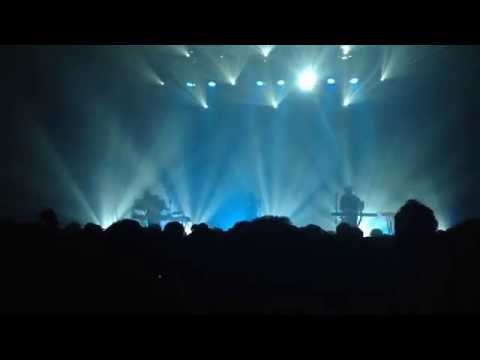 CHVRCHES - Get Away (live at Blue Square Hall, Seoul, Korea. 2015/12/01)