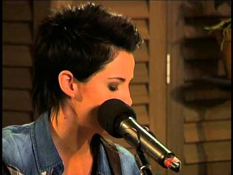 """Stadsboer perform """"Tussen die Duine"""" LIVE!"""