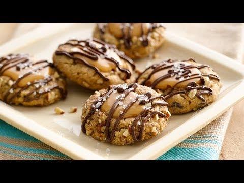 Salted Caramel Chocolate Chip Cookies | Pillsbury Recipe