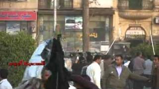 Thugs cooperate Egyptian armed forces to evacuate El.Tahrir form the  protestors