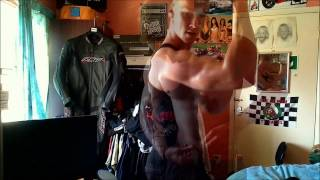 Extreme Vascularity Muscle Flexing with Oil from Ripped Guy Ste