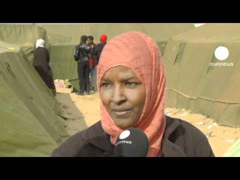 Women refugees flee Libyan violence