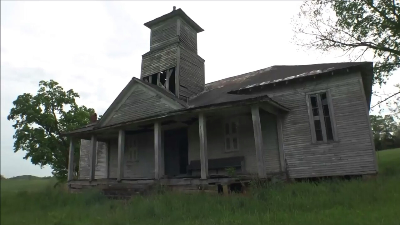 ABANDONED 1800s School! Fairview School Greeneville, TN