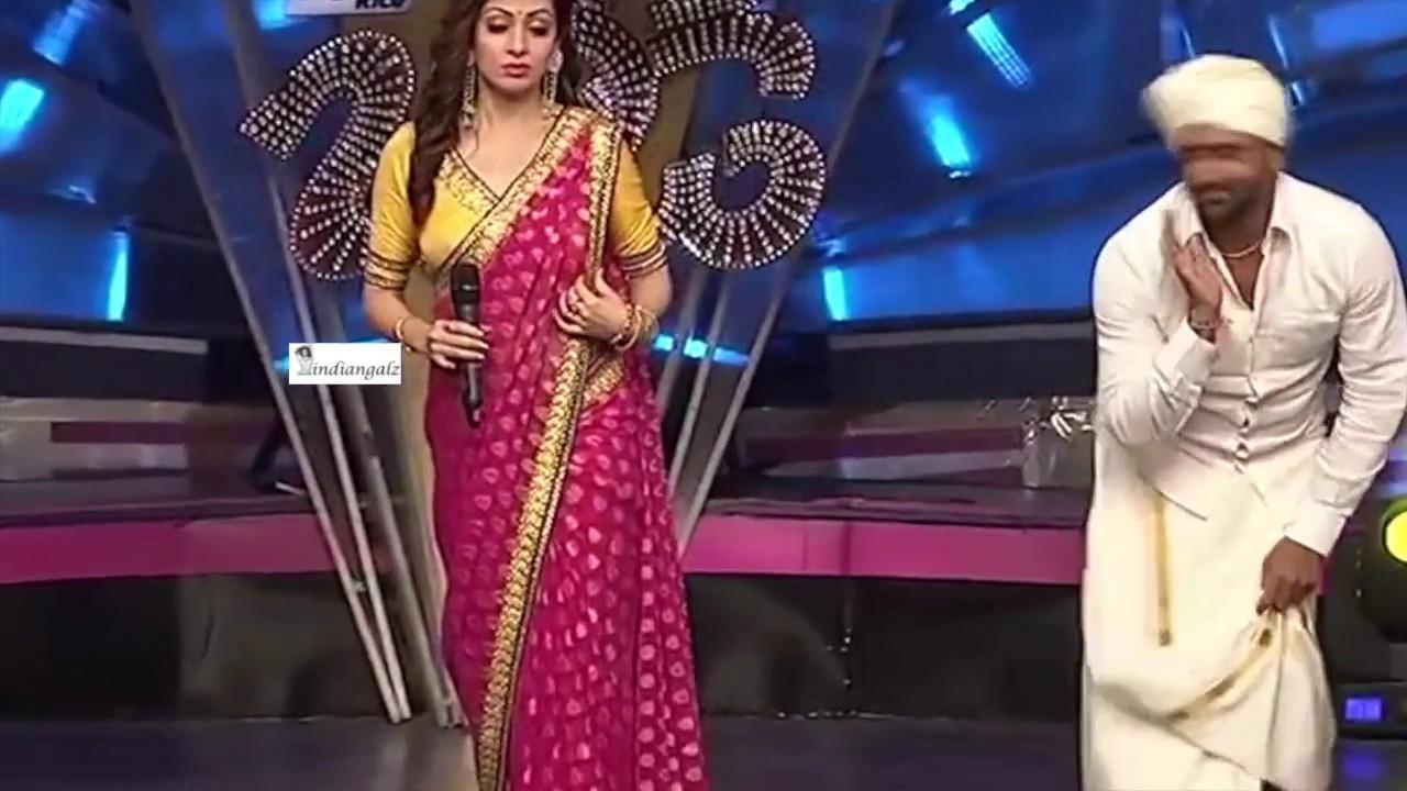 South Actress Sada Intentionally Exposing Her Curves In Saree Slow Mo Hd