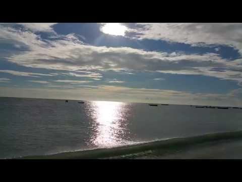 Nature HD Video 1080p: Blue sky white clouds in the sea