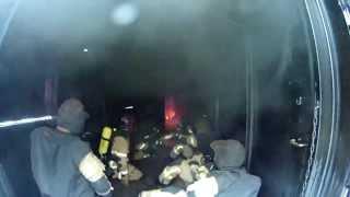 Brandbekämpfung - Feststoffbrandcontainer - Ein Tag im FTZ Luckenwalde Teil 1 - Berliner Feuerwehr