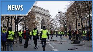 Raw footage as Paris' Yellow Vest protest turns violent