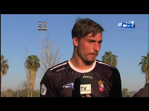 Los jugadores del Ceuta acabaron el partido en Córdoba muy contrariados por el empate