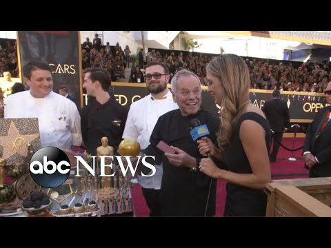 Wolfgang Puck shows off special Oscars treats