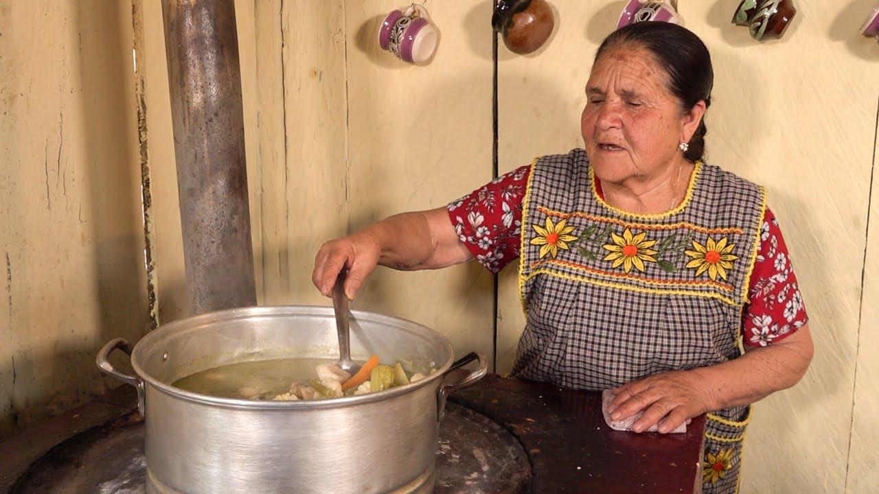 Mole de Olla Verde Ranchero De Mi Rancho A Tu Cocina