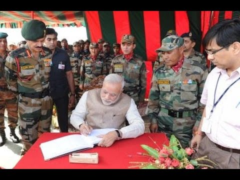 PM Narendra Modi at 14 Corps HQ., at Leh