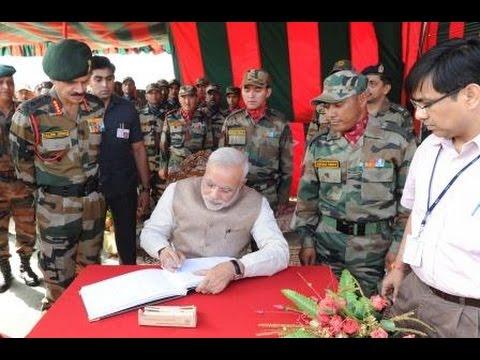 PM Narendra Modi at 14 Corps HQ., at Leh