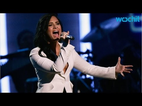 Katy Perry Shows Demi Lovato Love for Grammy Awards 2016 Performance
