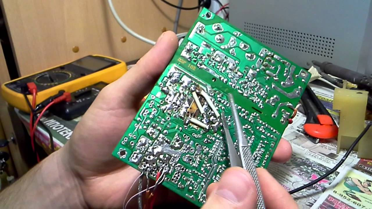 Зарядное устройство Red Line NT-1A 1xUSB 1A + кабель + кабель MicroUSB White