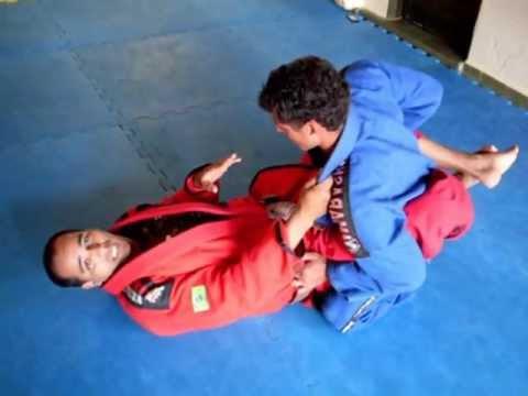 Técnicas Jiu Jitsu iniciantes parte 001/41
