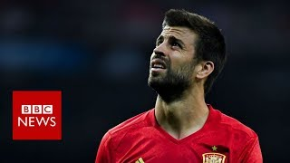 Spain fans boo Barcelona's Pique at football training - BBC News