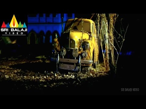 Cara Majaka Movie Car Drinking Water Scene   Geethika, Sangeetha   Sri Balaji Video