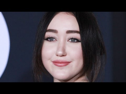 Noah Cyrus - 5 Things You Need To Know