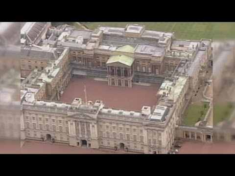 Buckingham Palace Walls Breached