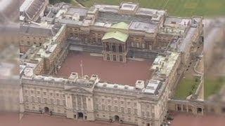 Buckingham Palace Walls Breached thumbnail