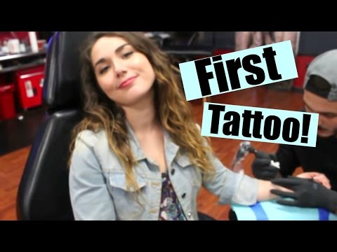 GETTING MY FIRST TATTOO!! | Matching tattoos with my mom