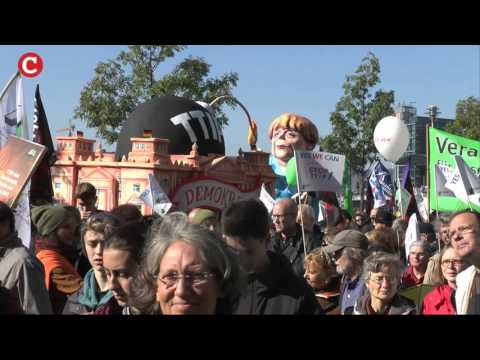 """Berlin: Hundertausende sagten """"NEIN!"""" zu TTIP!"""