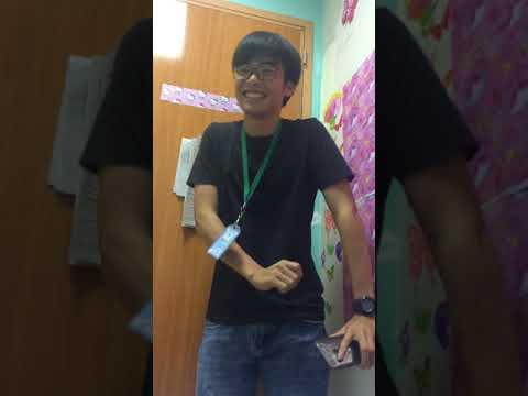 VIETNAMESE STUDENT! SINGS ENGLISH SONG :*