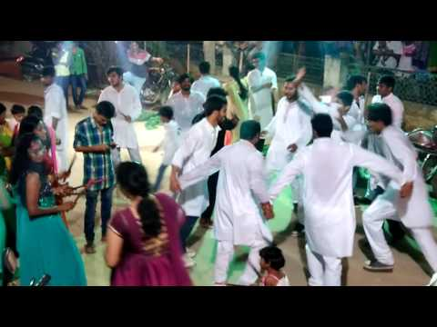 Bathukamma dance by college student