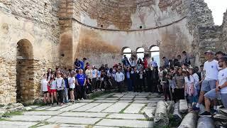 Οι μαθητές της τριεθνικης λίμνης φωνάζουν Prespa
