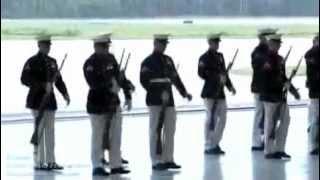 미 해병대 군악대와 한국해병대 예비역이..& 미 해병대 의장대.avi