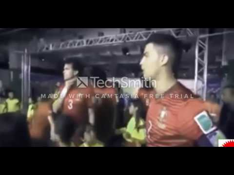 The Video that made all the fans of Messi hate and love Ronaldo