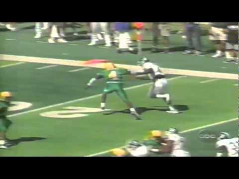 Oregon CB Eric Edwards knocks away a pass in the endzone vs. MSU 90898