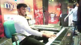 #Manthan2k20 | best piano performance - best talent in the world | best street piano performer live