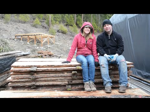 NEVER BUY LUMBER AGAIN!! MAKE YOUR OWN! (With a chainsaw mill!)