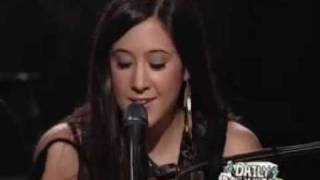 Repeat youtube video Vanessa Carlton - A thousand miles (live)