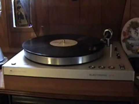 Sign And Drive 45 >> Philips Electronic 312 Turntable. - YouTube
