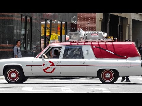 new ecto 1 driving around boston filming ghostbusters. Black Bedroom Furniture Sets. Home Design Ideas