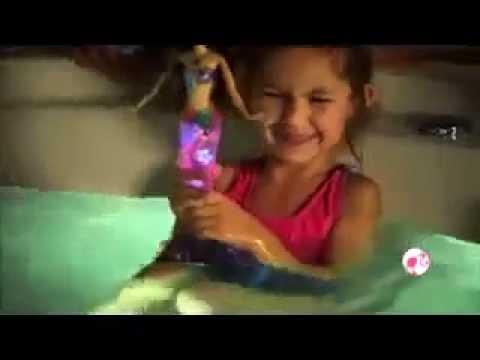 Кукла барби радужная русалочка от компании mattel станет лучшим подарком для. При заказе указывайте какую именно барби русалку вы хотите купить. Барби русалка-сверкающие огоньки поразит воображение любого.