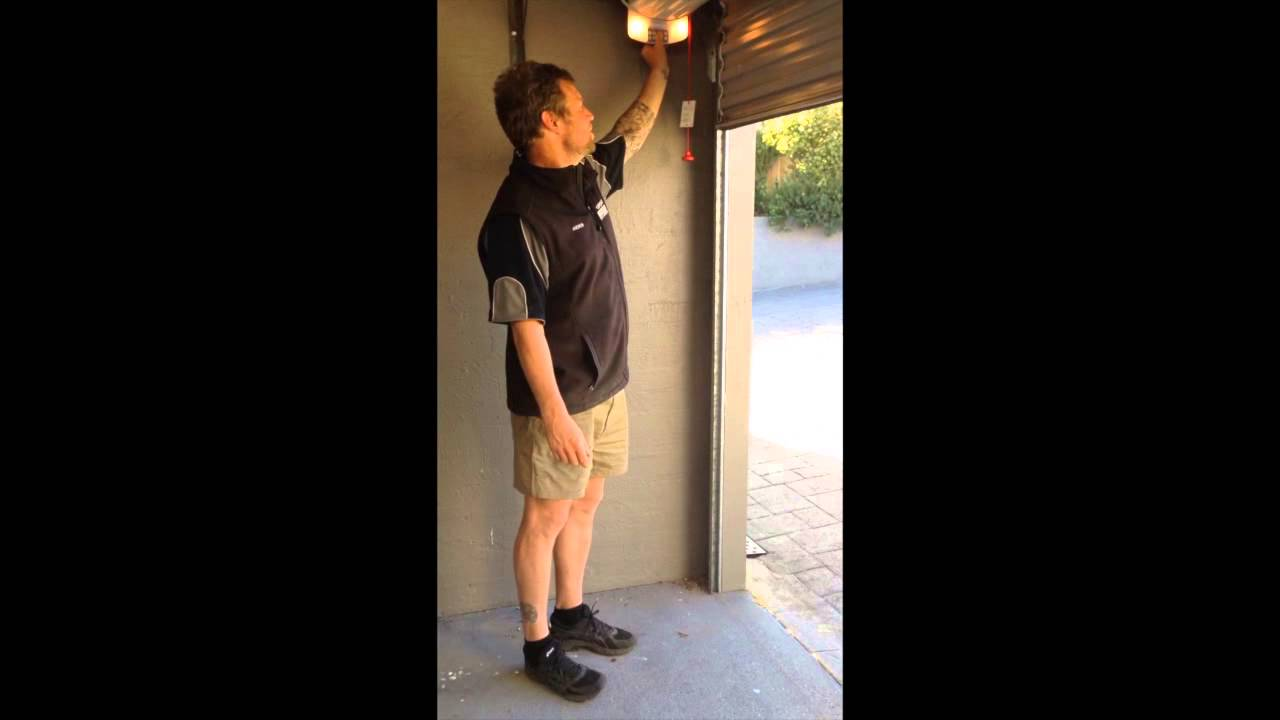 Resetting Stuck Garage Roller Doors Youtube